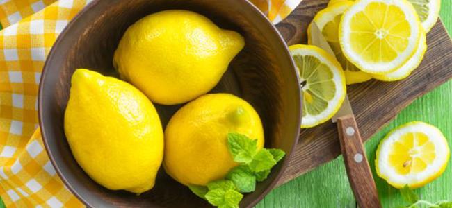 rimedi naturali contro le formiche limoni