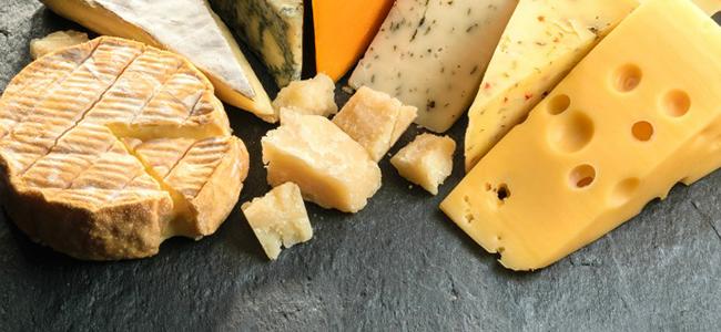 Cibi da evitare durante la gravidanza Latte e formaggi non pastorizzati.
