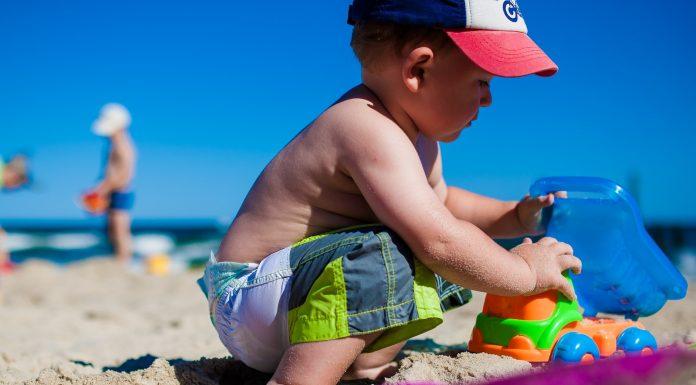 Giochi da mare per intrattenere i bambini